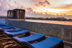 bali_watermark-hotel-sunset-rooftop-pool