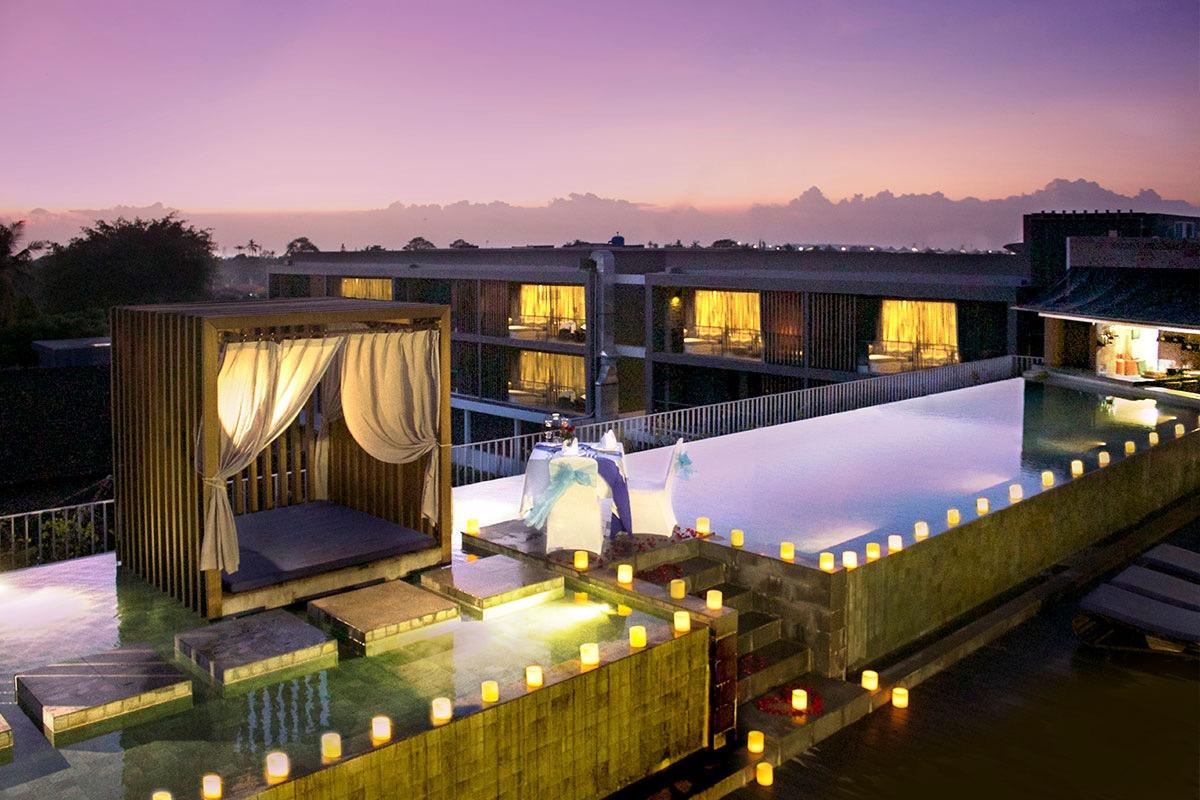 bali_watermark-hotel-roof-pool