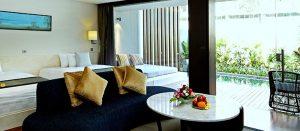 club watermark suite with pool room
